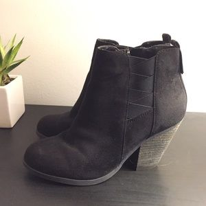 Shoes - Gently Used Black Ankle Boots